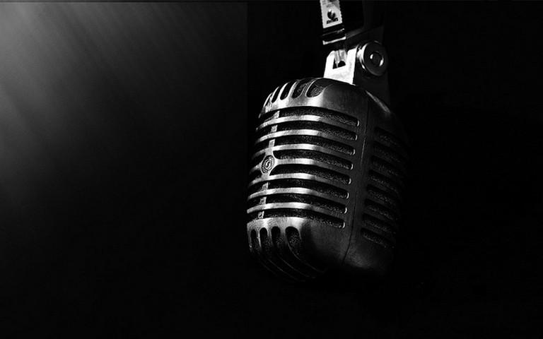 Microphone © Drestwn/Flickr