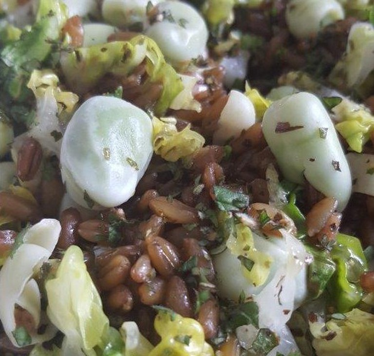 Freekeh with broad beans, lettuce & mint
