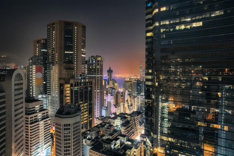 HongKong skyscrapers night view from a rooftop in Causeway Bay │© Merla/Shutterstock