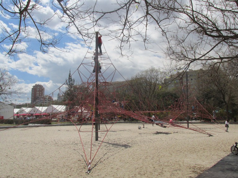 The Turia Red Rope Jungle Gym