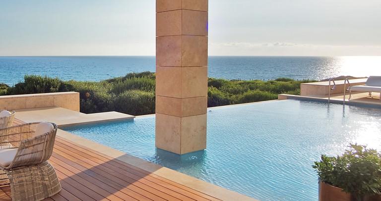 Ancient architectural ideas meet modern aesthetics © Costa Navarino