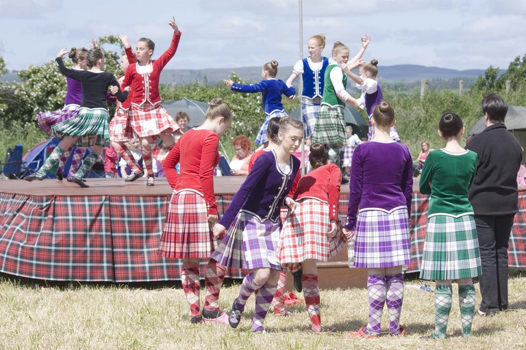 Highland dancing at the Newburgh Highland Games|© Laura Suarez / Flickr
