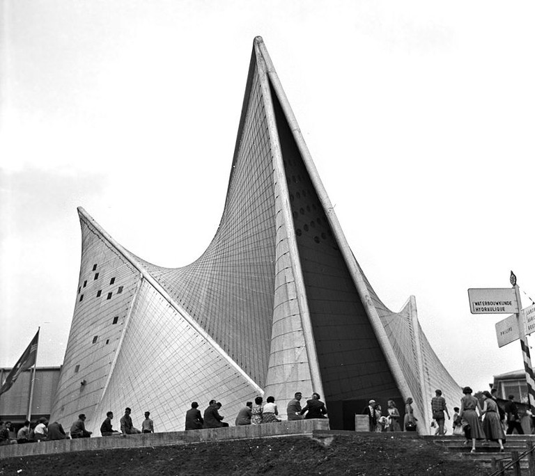 Expo 1958 Philips Pavilion | WikiCommons