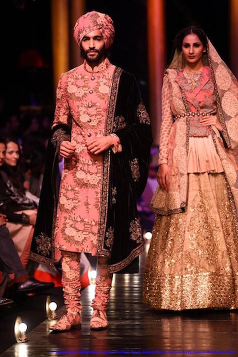 Sabhyasachi Khadi Designer Wear | © Sou Boyy /WikiCommons