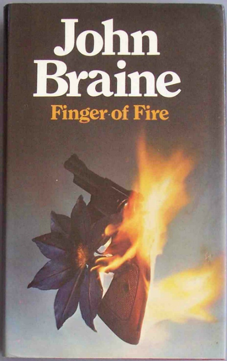 John Braine - Finger Of Fire | © Flickr/Chris Drumm