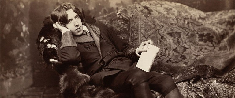 Oscar Wilde in New York in 1882, captured by Napoleon Sarony | Wikimedia Commons
