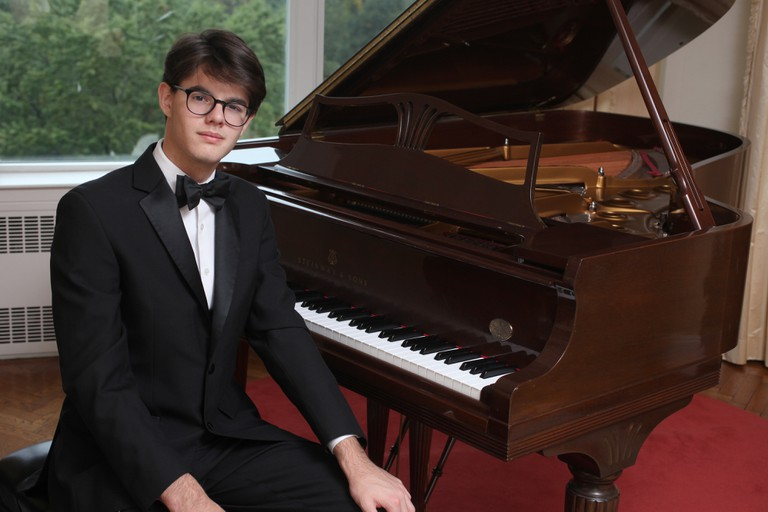 Young Steinway Artist Thomas Nickell makes his London debut this July | Courtesy of Stephen Sullivan