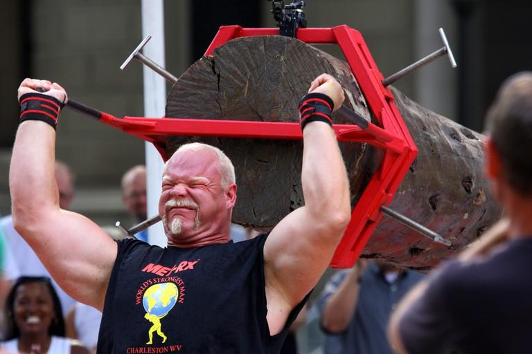 Former World's Strongest Man Magnus Samuelsson competes.
