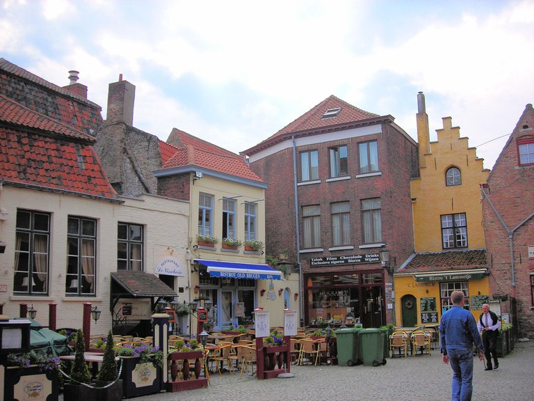 The square where Bruges' tanners used to meet, one of the most idyllic places in Bruges | © Jim Linwood/Wikimedia Commons