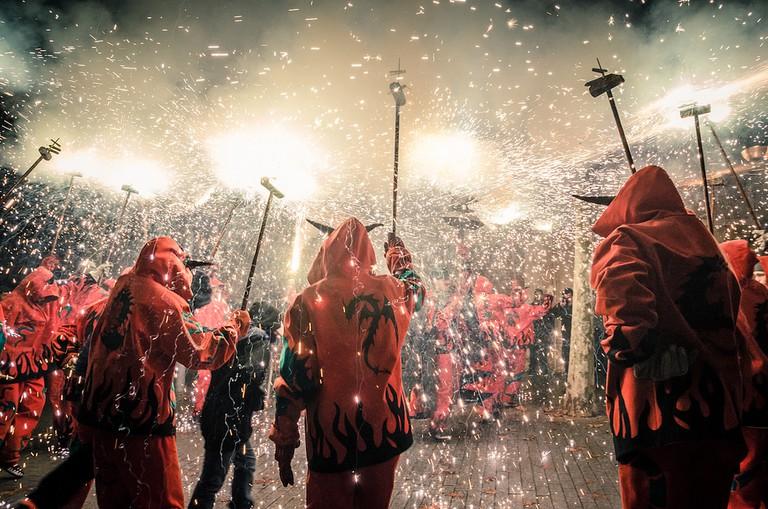 Correfoc or fire-run   © Gerard Reyes / Flickr