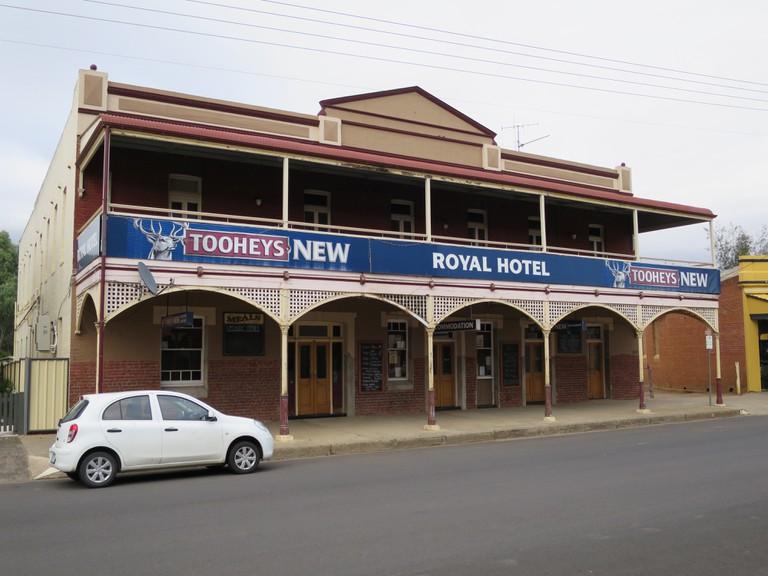 Royal Hotel, Canowindra © Lu Barnham
