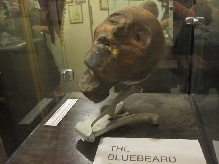 Severed head of 'the Bluebeard of Gambais' at the Museum of Death in Los Angeles | © John Mosbaugh/Flickr