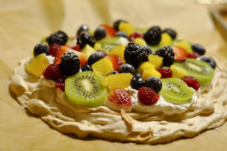 Pavlova with fruit