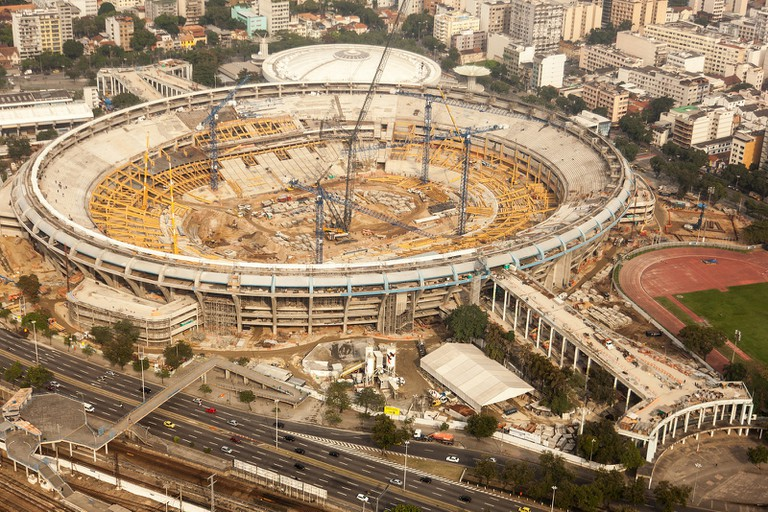 Maracanã undergoing rennovation in 2012 | © copagov/Flickr