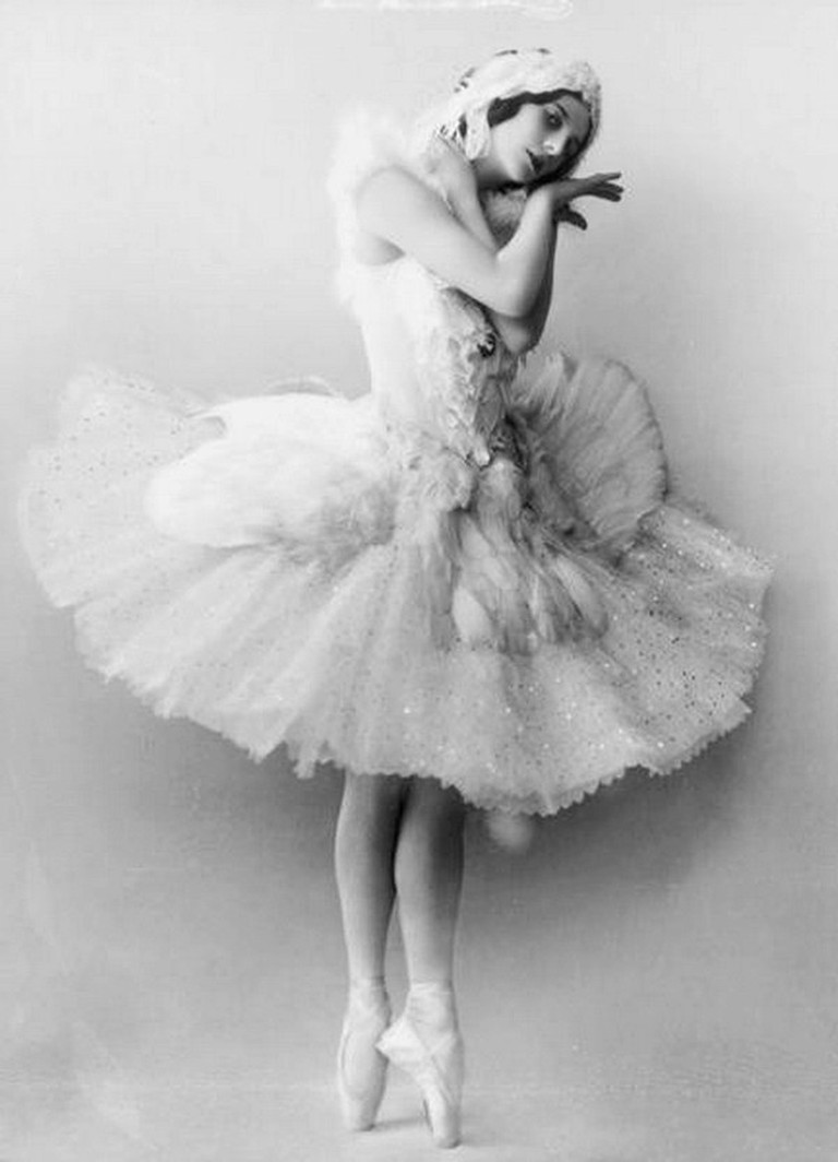 Russian ballerina Anna Pavlova as The Dying Swan | © Unknown / WikiCommons