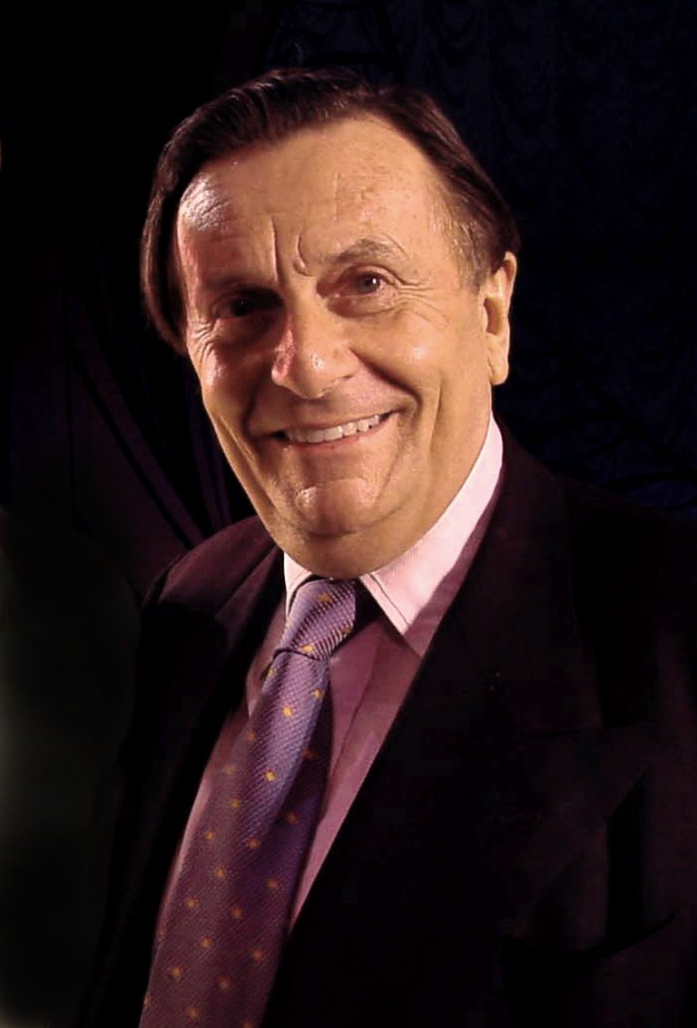 Barry Humphries July 2001 © WTCA/Wikimedia Commons