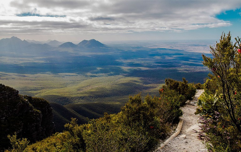 Bluff Knoll via Wikipedia