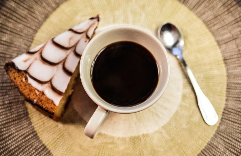 Grab a coffee and cake/ ©PixaBay