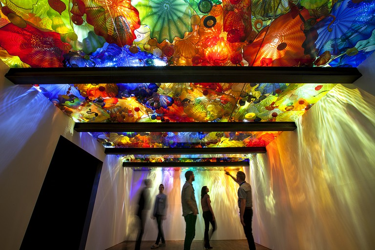 Dale Chihuly, Persian Ceiling, 1999 15 x 28' de Young Museum, San Francisco, installed 2008. | © 1999 CHIHULY STUDIO. ALL RIGHTS RESERVED
