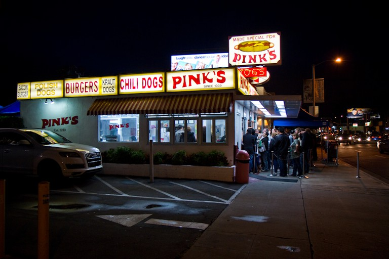 Pink's Hot Dogs © Randy Chiu/Flickr
