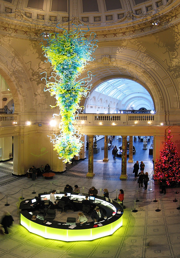 Dale Chihuly Sculpture, V&A Rotunda | © Andrew Dunn/WikiCommons