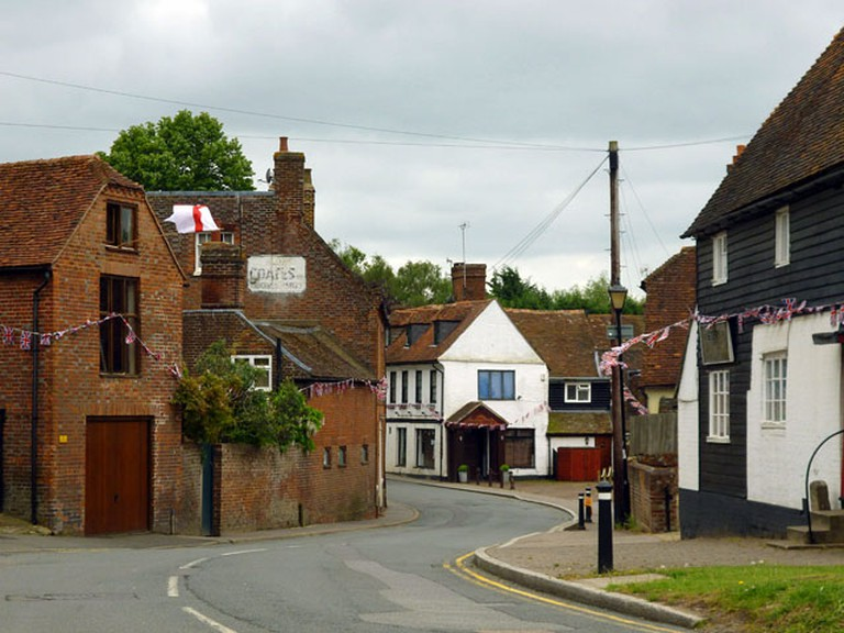 Yalding high street| © Robin Webster/Geograph.org
