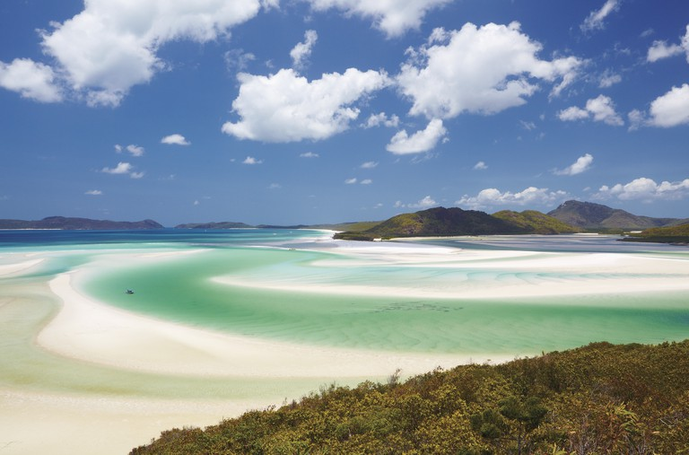 Whitehaven Beach, Whitsundays Islands, QLD | Courtesy of Tourism Australia © Maxime Coquard