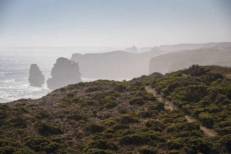 Twelve Apostles Lodge Walk, Great Ocean Road, VIC | Courtesy of Tourism Australia © Adrian Brown