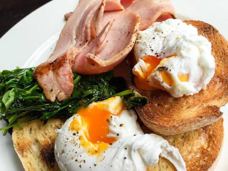 Poached eggs on toast with bacon and spinach at The Italian Chef in South Yarra   © Katherine Lim/Flickr
