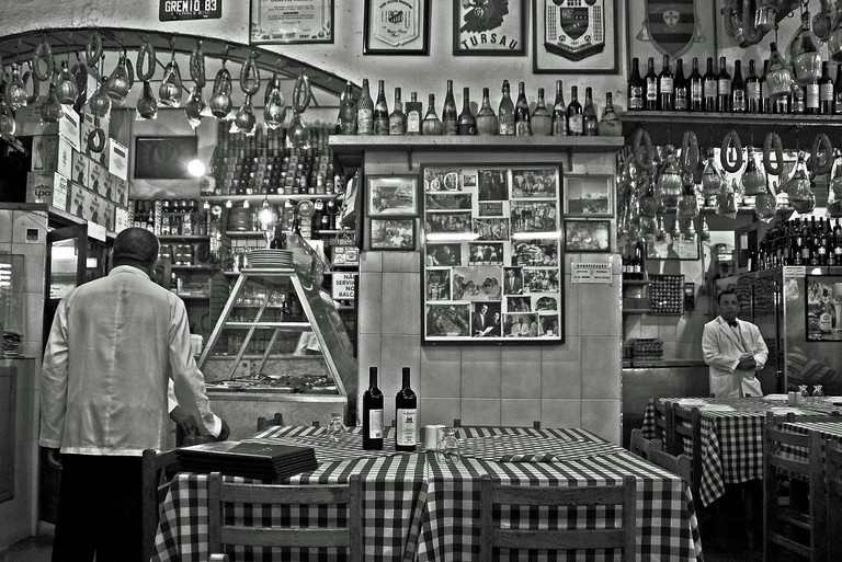 Cantina | © Jairo/Flickr