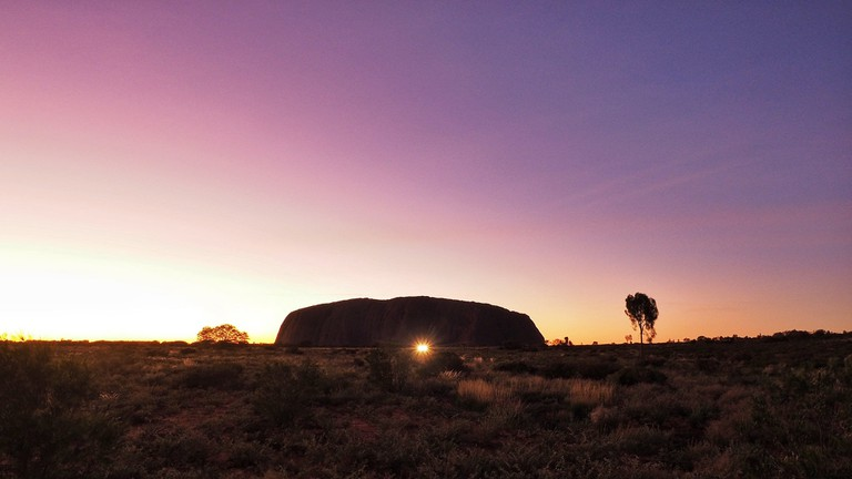 Sunrise at Uluru | © Leo Li / Flickr
