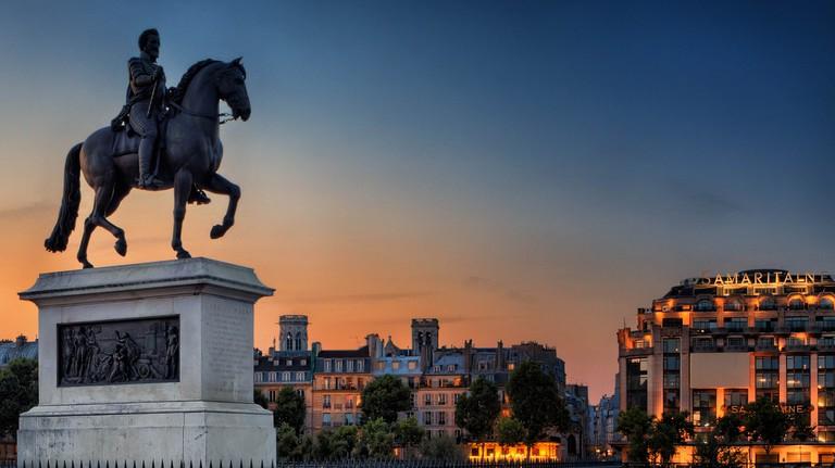 Henri IV on the Pont Neuf © Joe deSousa/Flickr