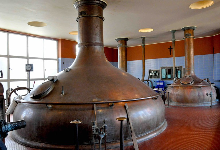 The brewing halls of Het Anker, with massive vats producing the Gouden Carolus