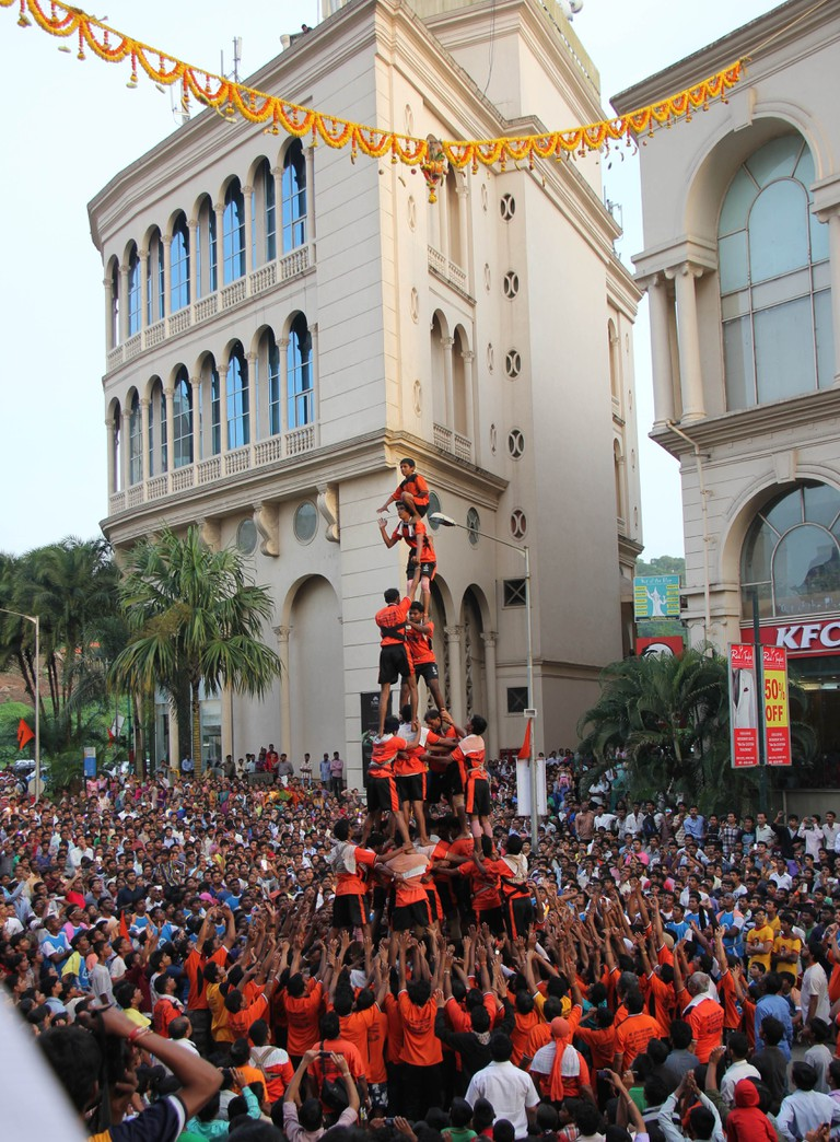 Dahi Handi | © Ramnath Bhat/Flickr