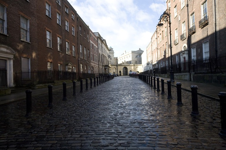Henrietta Street, Dublin, with the entrance to King's Inns in the background
