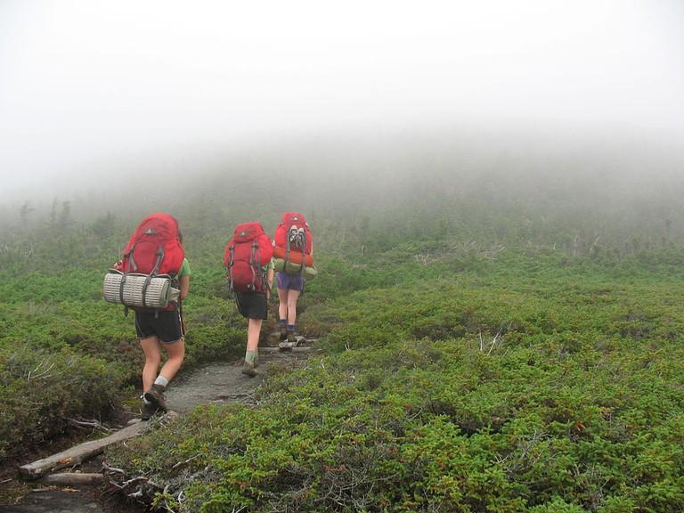 Hiking on Appalachian Trail | © Chewonki Semester School /Wikicommons