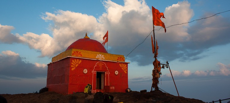Temple on Kalsubai Peak | © Elroy Serrao/Flickr