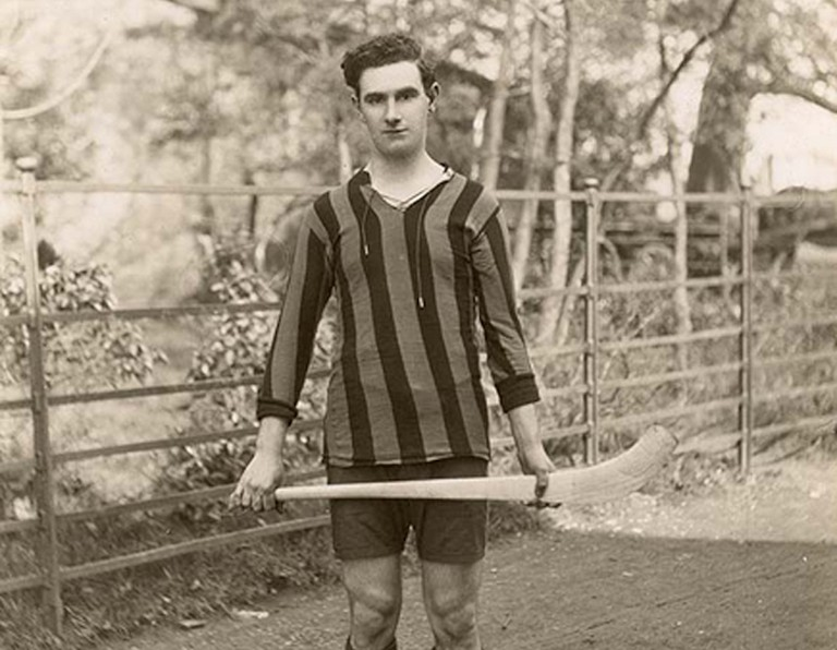Kilkenny Hurler, circa 1923 | © National Library of Ireland/WikiCommons