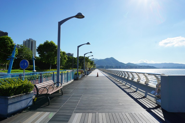 Ma On Shan Waterfront Promenade | Exploringlife/CC BY-SA 4.0/Wikimedia Commons