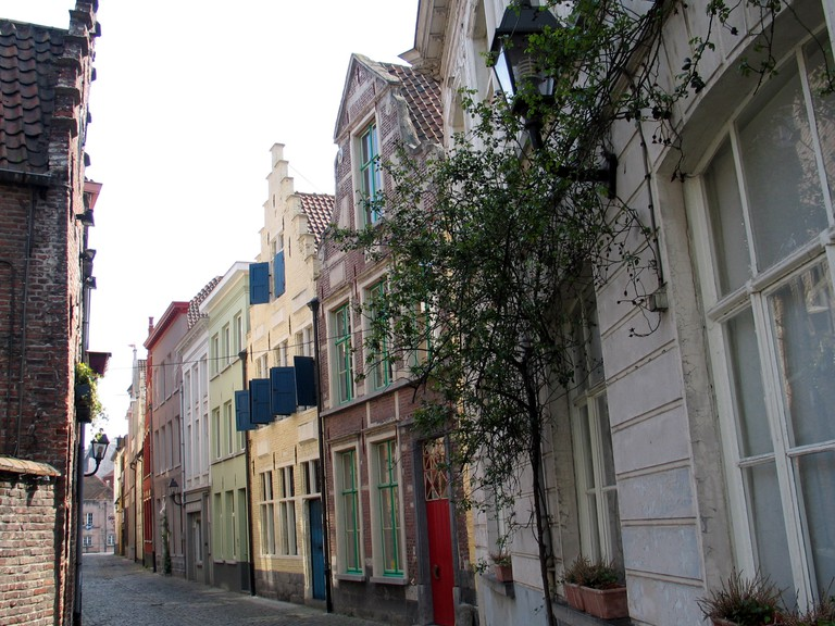 The medieval alleys in Ghent's Patershol quarter are rife with opportunities for fine dining   © Paul Hermans/Wikimedia Commons