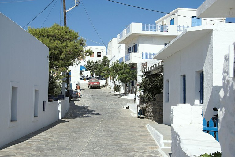 A small street in Chora (the main town) in Schinoussa