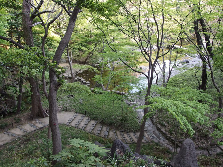 Walking paths at Koishikawa Garden