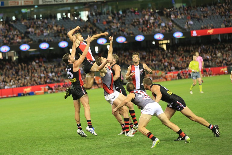 Saints (St Kilda) / Bombers (Essendon) game | © Shiny Things / Flickr
