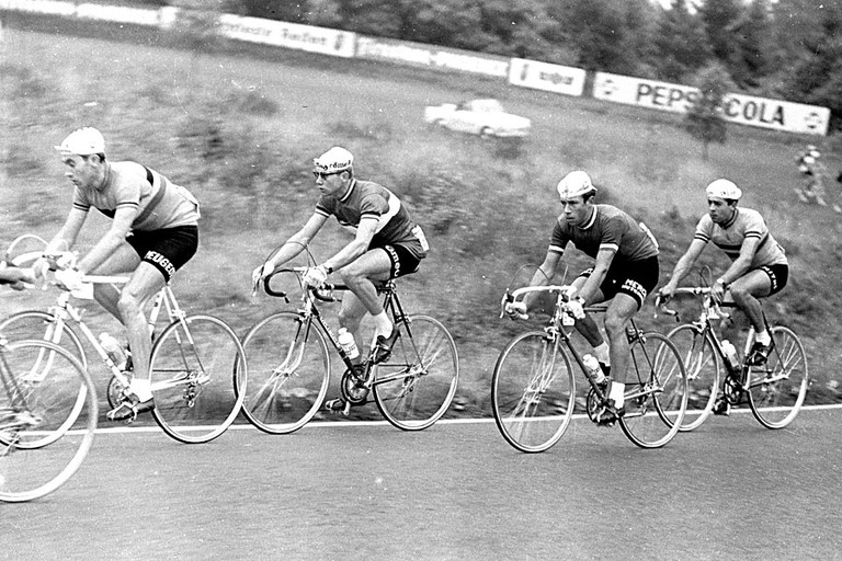 Merckx (first on the left) in an early stage of his career in 1966 | © Brian Townsley/Flickr