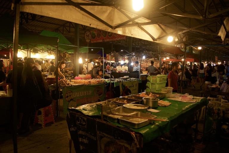 Food vendors at Rod Fai Market