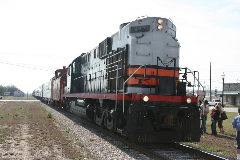 Austin Steam Train © Roger Mommaerts/Flickr