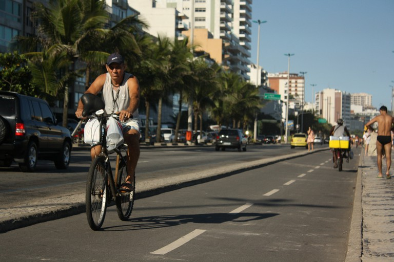 Bike rides in Rio | © Eduardo Tubo/Flickr