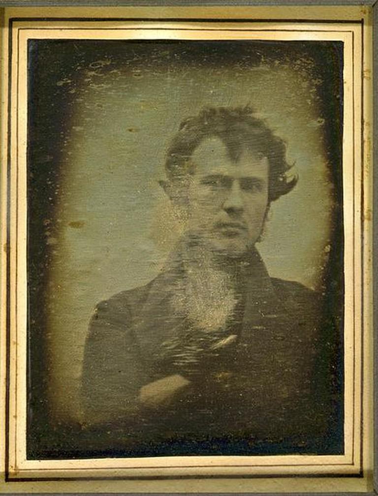 Self-portrait by Robert Cornelius | Jutta234 / Wikicommons