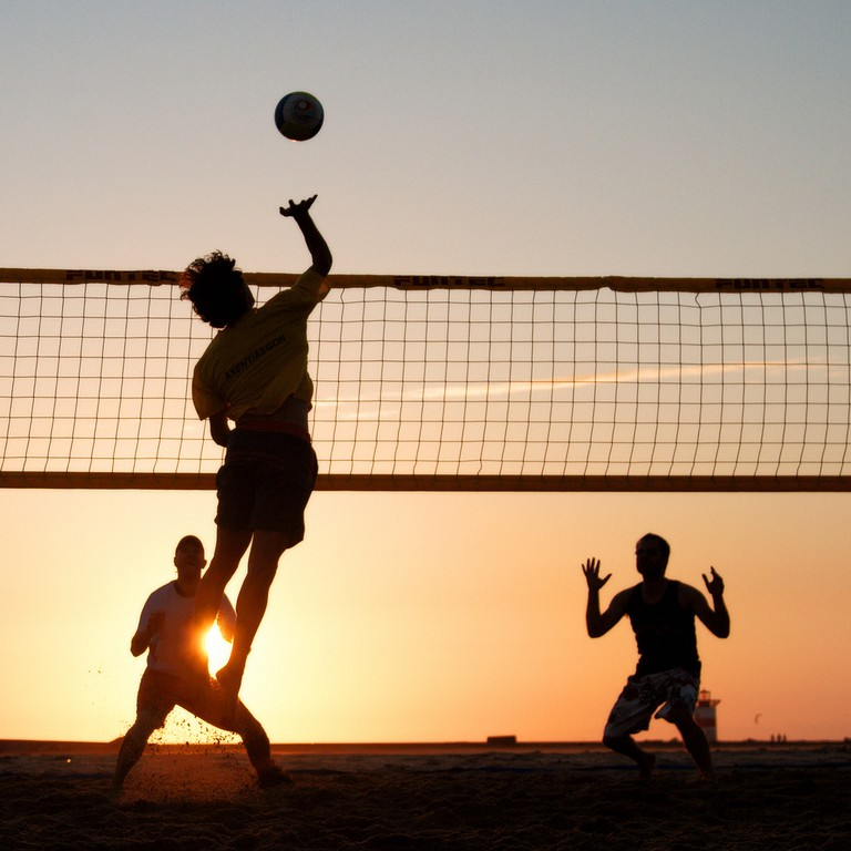 Beach Volleyball |©Sander van der Wel/Flickr