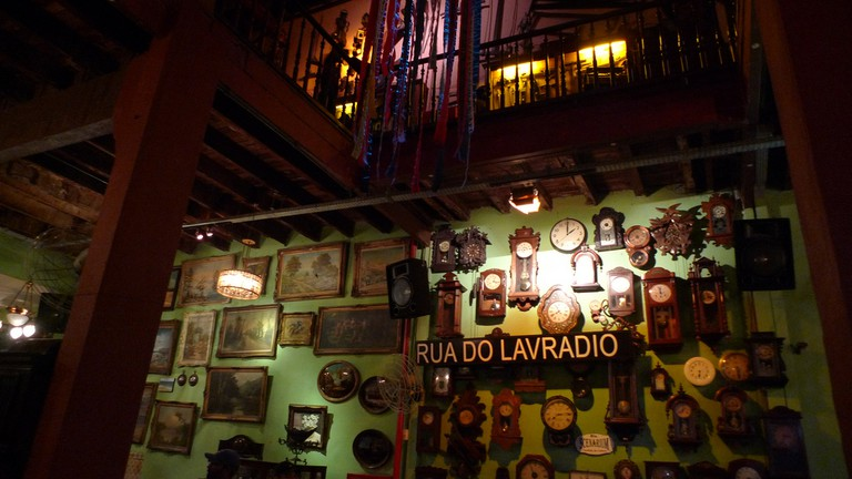 Rio Scenarium, decorated with antiques straight Rua do Lavradio, Lapa's finest antique purchase spots |© Fabiano Caruso/Flickr
